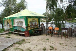 аренда беседки на воде Shaka bar